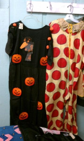 vintage-antique-halloween-costumes