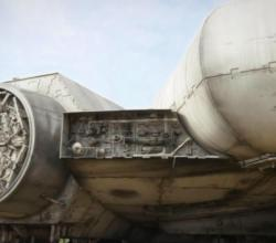 official-close-up-video-of-millennium-falcon-in-star-wars-episode-vii