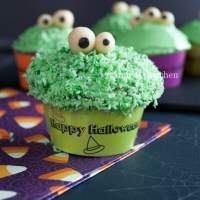 Green Monster Pandan Cakes