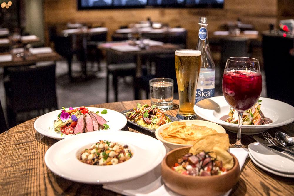 美食隱於市:多倫多金融中心區的星級Tapa bar——Four Restaurant