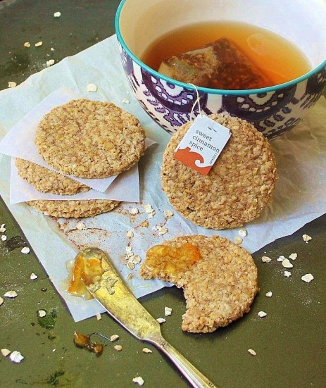 cinnamon spice oat cakes_blog