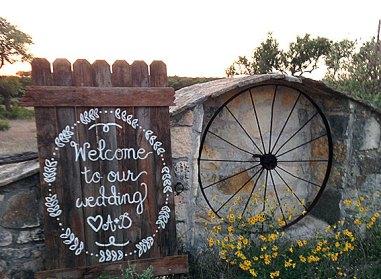 inspirin-oaks-ranch-gate