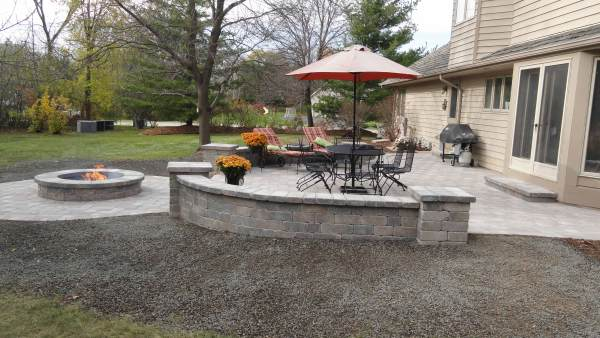 Mequon Outdoor Living Area