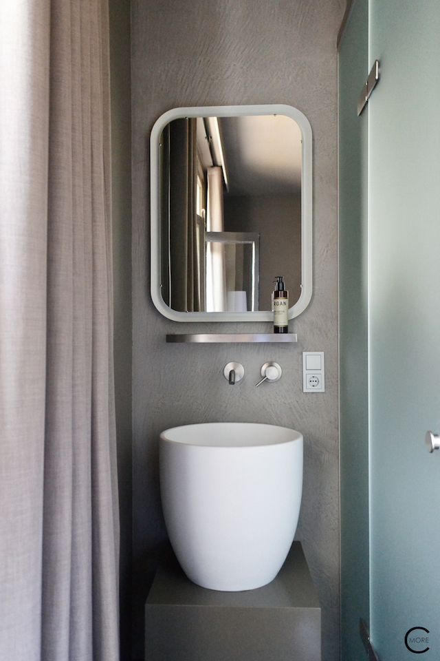 Hotel Blue | The Rooms | the Jee-O sink and faucets | © by C-More