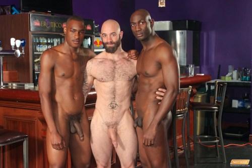 interracial-threesome