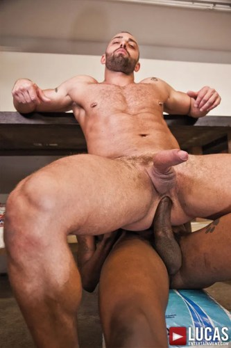 interracial-gay-sex-video-big-dick-muscle-men