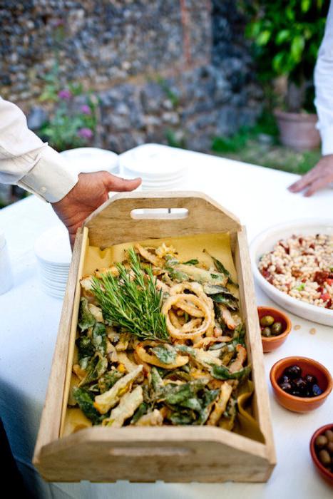 Những món ăn trong tiệc cưới mang đậm phong cách ẩm thực Ý.
