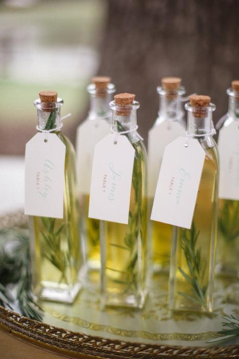 Những chai dầu ô liu xinh xắn thay cho lời cảm ơn.