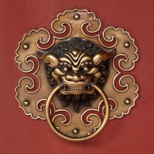 Doorknob of the Lian Shan Shuang Lin Temple in Singapore