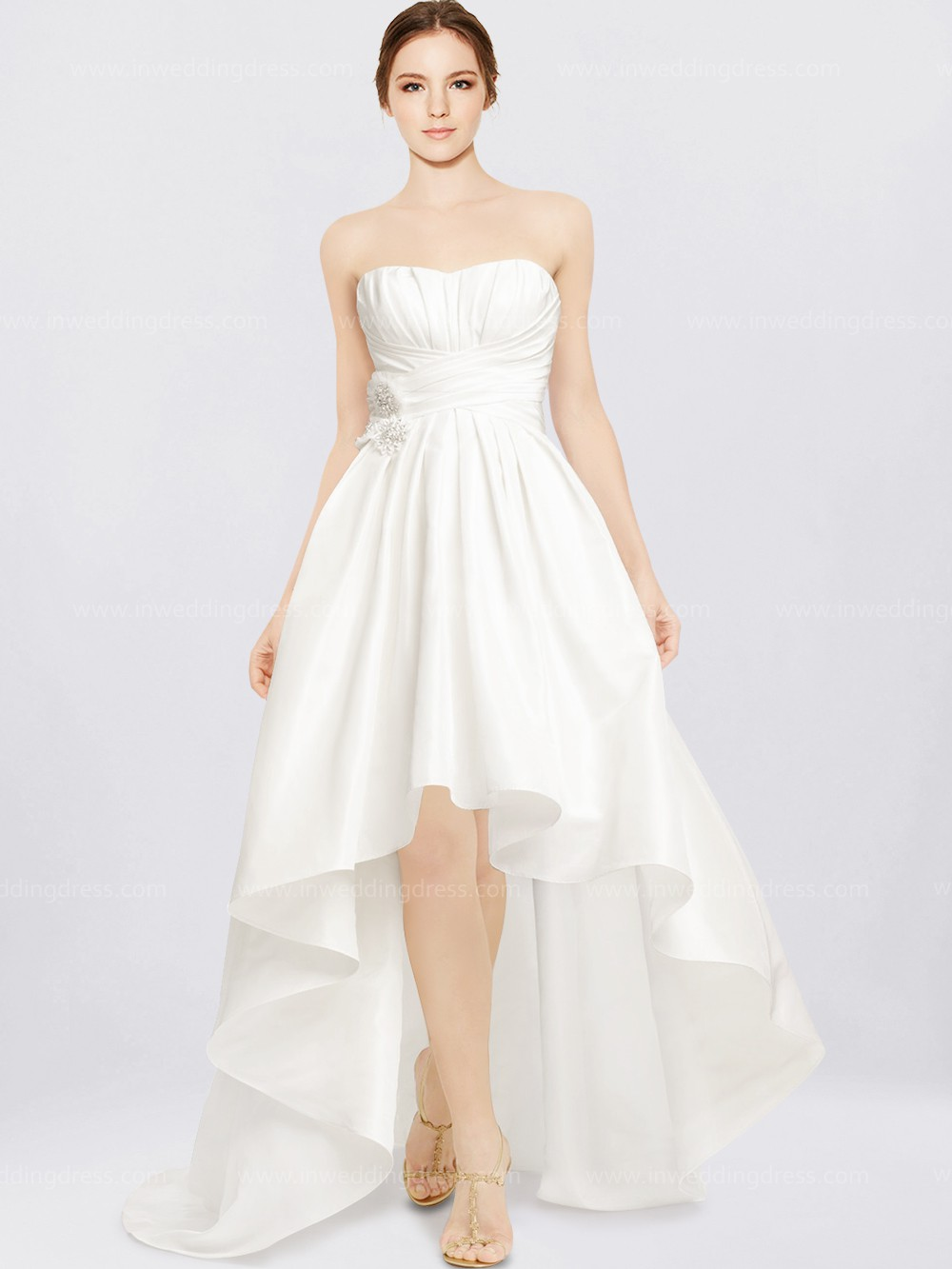 your guide to buying a beach wedding dress fall beach wedding dress Taffeta Beach Wedding Dress