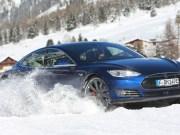 Tesla Model S P90D im Winter