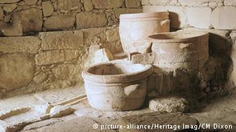 Aγγεία από τη μινωική εποχή στο Βαθύπετρο της Κρήτης
