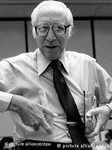 O Ολλανδός νεφρολόγος Δρ. Βίλεμ Γιόχαν Κολφ που εξέλιξε την αιμοκάθαρση με τεχνητό νεφρό