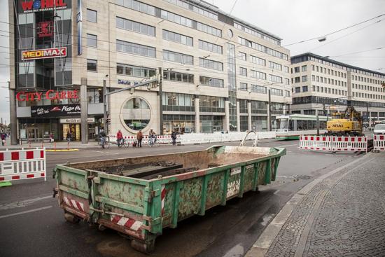 Ab City Carré Magdeburg ist die  Ernst-Reuter-Allee in Richtung Stadtfeld gesperrt