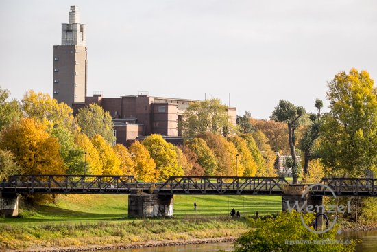Magdeburg im Herbst - Stadthalle