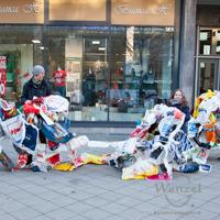 BUND Jugend und Die Wählerischen tauschen Plastik- gegen Jute-Beutel