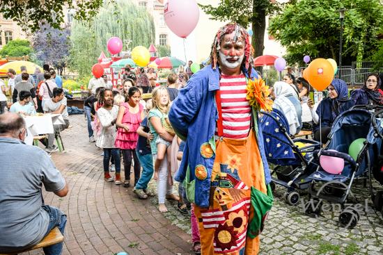 Interkulturelles Sommerfest, Volksbad Buckau, Stadt Magdeburg, Caritas –  Foto Wenzel-Oschington.de