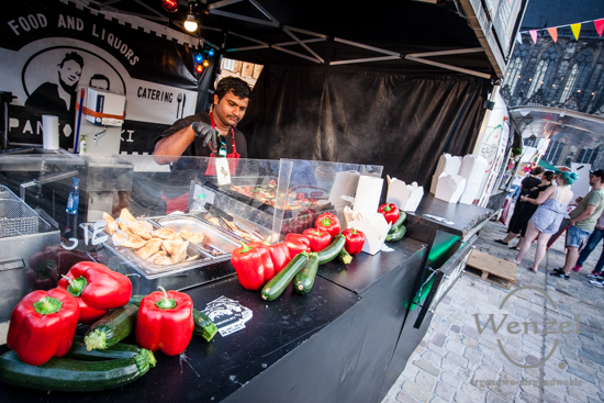 Street Food Open Air, Magdeburg, Domplatz, internationale Küche, Burger-Meister –  Foto Wenzel-Oschington.de