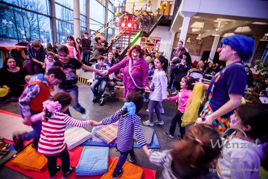Ankommen heißt Advent  – Geflüchtete feiern zusammen mit Anwohnern –  Foto Wenzel-Oschington.de