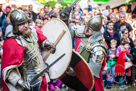 Spectaculum Magdeburgense  –   Mittelalterfest vor  historischer Kulisse –  Foto Wenzel-Oschington.de