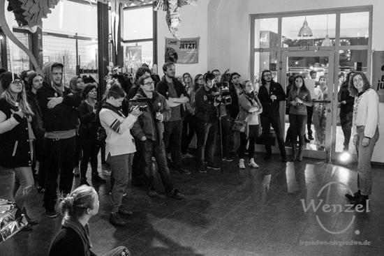 14tägig anders, Ende Gelände, Solikonzert, HOT Alte Bude,  Buckau, Konzert, Kulturhauptstadt Magdeburg, Magdeburg, Magdeburg 2025, Ottostadt, Energiewende, Klimawandel, Beehive Design Collective, Schlagsaite –  Foto Wenzel-Oschington.de