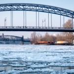 Treibeis auf der Elbe – Landeshauptstadt Magdeburg im Griff des Winters