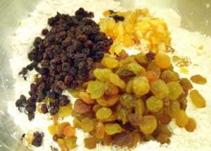 Dried fruit - golden raisins, currants and candied orange