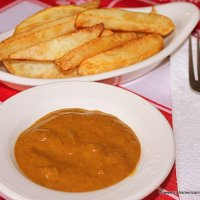 Chips And Curry Sauce