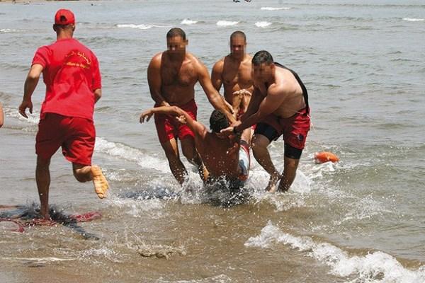 d-le-maitre-nageur-sauve-une-vie-avant-de-mourir-d5402