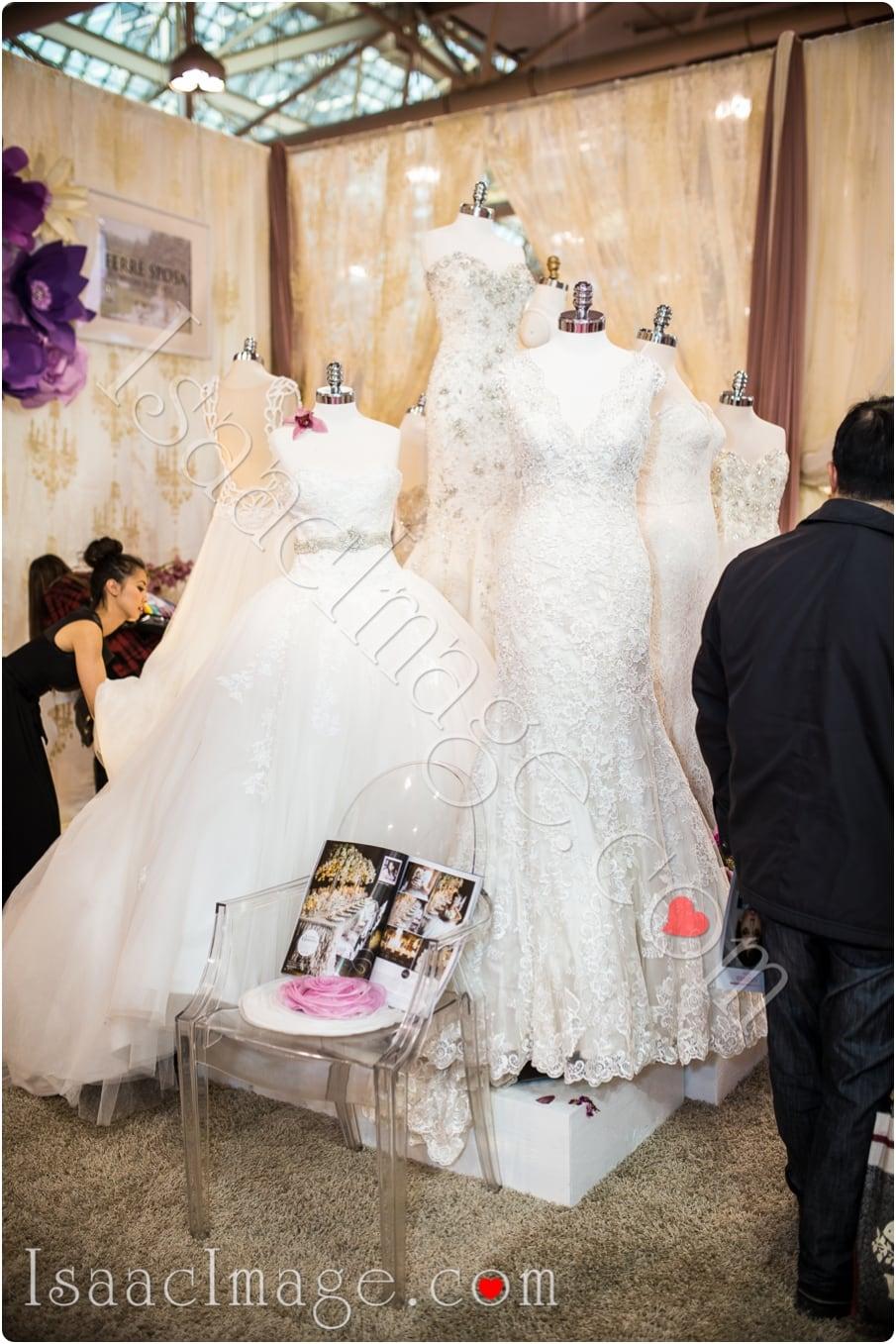 _IIX2568_canadas bridal show isaacimage.jpg