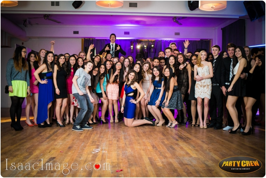 sweet sixteens party group photo