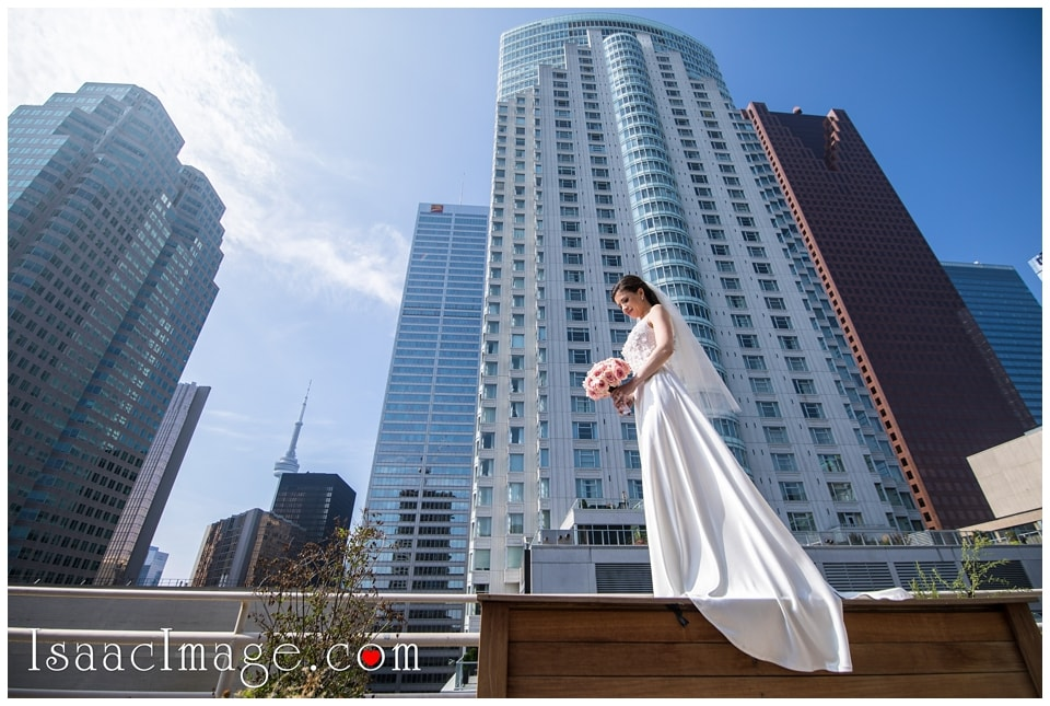 Toronto Edwards Gardens Wedding