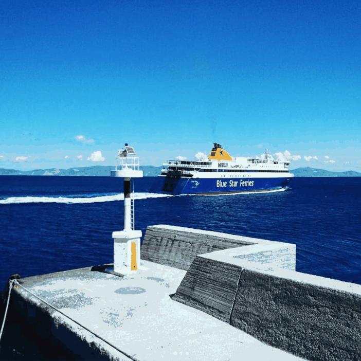 4. Syros port entrance. Credits to George Kapellas