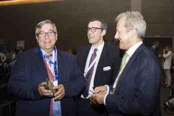 Ο κ. Σταύρος Χατζηγρηγόρης, Maran Gas Maritime Inc. με τον κ. Ηλία Μπίσια, Ναυτικά Χρονικά και τον κ. Tim Childe, Quilter Cheviot