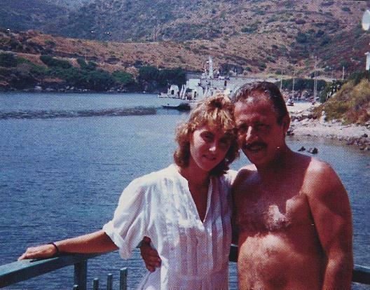 Paolo Borsellino e la moglie Agnese nella Foresteria nuova di Cala d'Oliva. - Asinara 1985 -