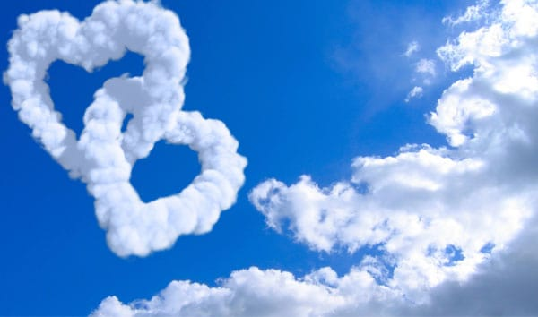 cloud-hearts-holiday-wallpaper