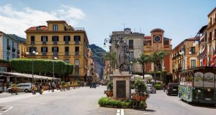 Piazza_Tasso_-_Sorrento Photo: Berthold Werner