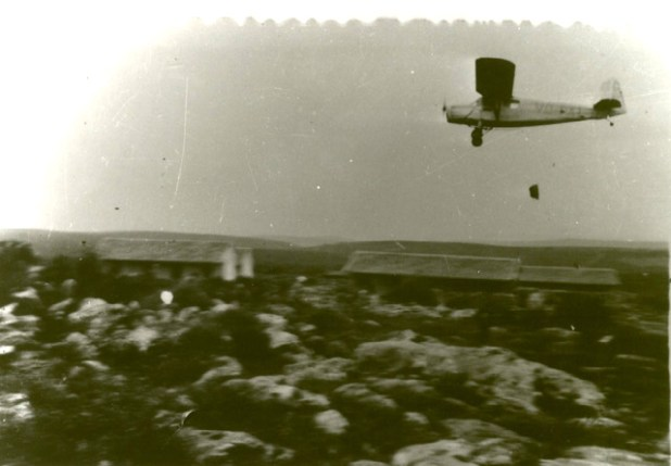 Sherut Avir RWD-13 VQ-PAL dropping supplies at Yehiam, January 1948