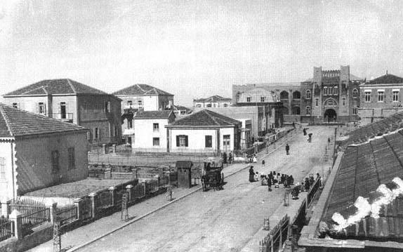 Herzl Street, the first street in Tel Aviv. In background Hebrew Gymnasia Herzlia