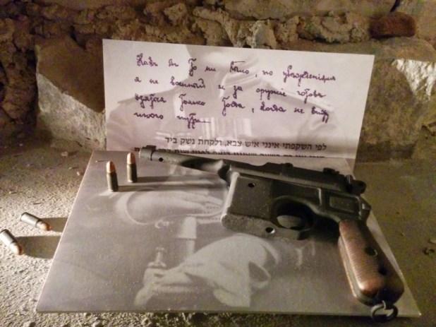 Tel Hai Museum - Trumpeldors pistol