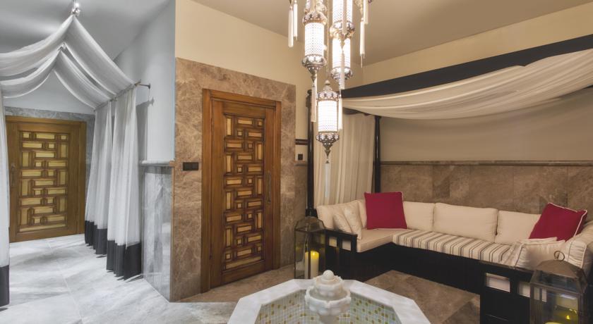 sura-design-hotel-38119376