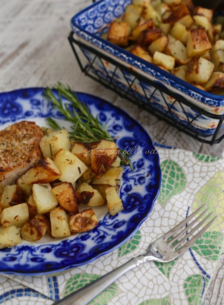Italian Roasted Rosemary and Garlic Potatoes #SundaySupper ...