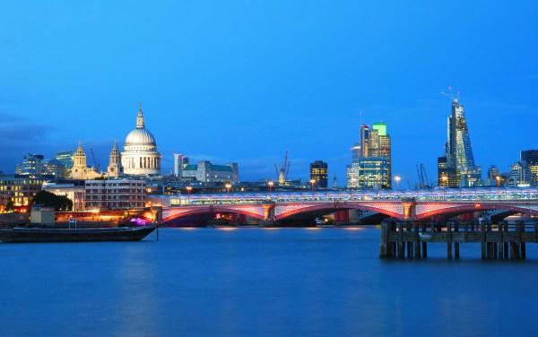 Perchè trasferirsi a Londra? Le motivazioni di ieri e di oggi