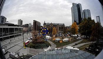 Eurozona, BCE lascia i tassi di interesse invariati