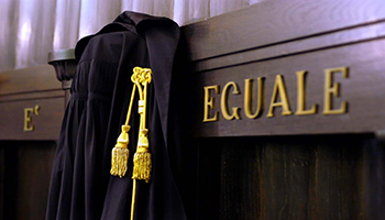 Processo amministrativo, obbligatorio l'avvocato
