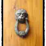 Door Knocker - Rent a Villa in Italy