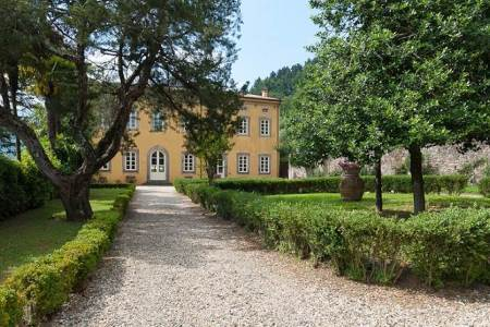 luxury villas in tuscany lucca 20151005131102.348