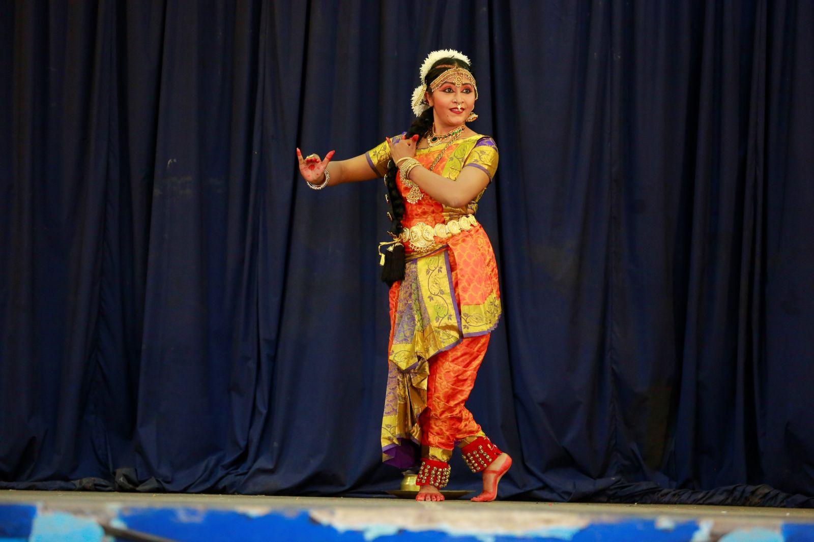 Actress Anusha Nair Pics (2)