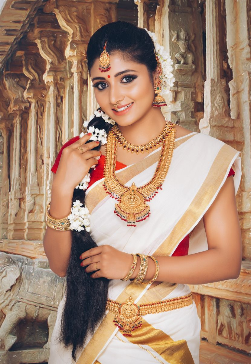 Actress Adhiti New Photo Shoot Images (2)