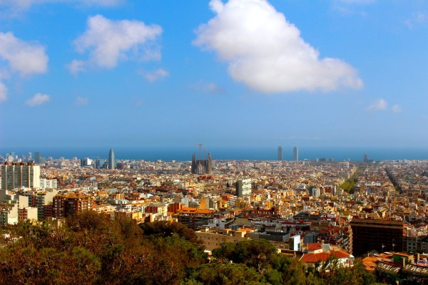 So much to do in Barcelona but not enough time. Here are the 10 Things You Can't Miss in Barcelona!